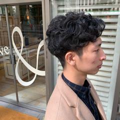 メンズパーマ メンズスタイル ショート ナチュラル ヘアスタイルや髪型の写真・画像
