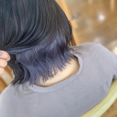 ボブ インナーカラーシルバー 外ハネボブ インナーカラー ヘアスタイルや髪型の写真・画像
