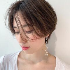 アンニュイほつれヘア ショート ナチュラル セミウェット ヘアスタイルや髪型の写真・画像