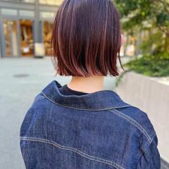 ミニボブ ストリート ピンク 切りっぱなしボブ ヘアスタイルや髪型の写真・画像
