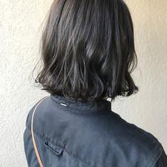 切りっぱなしボブ ナチュラル ダークトーン ダークグレー ヘアスタイルや髪型の写真・画像