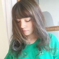 アッシュ ウェーブ 冬 ハイライト ヘアスタイルや髪型の写真・画像