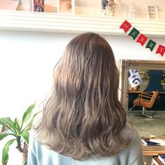 ハイトーンカラー ラベンダーカラー アッシュベージュ ミルクティーベージュ ヘアスタイルや髪型の写真・画像