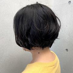 ほつれウエーブ ショート 無造作パーマ フェミニン ヘアスタイルや髪型の写真・画像