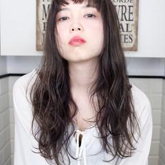 パーマ ロング アッシュ 外国人風 ヘアスタイルや髪型の写真・画像