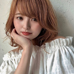 韓国ヘア ミディアム 外ハネ アッシュベージュ ヘアスタイルや髪型の写真・画像