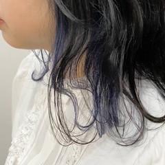 ガーリー ダブルカラー ミディアム 波ウェーブ ヘアスタイルや髪型の写真・画像