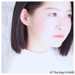 インナーカラー ブラントカット モード ストレート ヘアスタイルや髪型の写真・画像