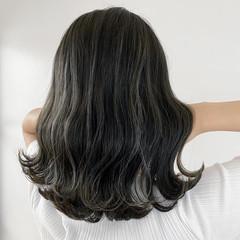 ハイライト ミディアム 白髪染め ナチュラル ヘアスタイルや髪型の写真・画像
