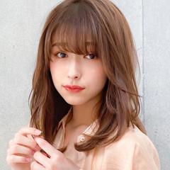 デジタルパーマ 小顔 コンサバ ミディアムレイヤー ヘアスタイルや髪型の写真・画像