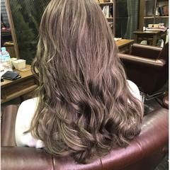 上品 アッシュベージュ エレガント ミルクティーベージュ ヘアスタイルや髪型の写真・画像