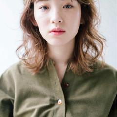 前髪あり ミディアム フリンジバング ナチュラル ヘアスタイルや髪型の写真・画像