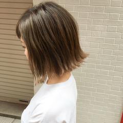 ウェットヘア 切りっぱなし ボブ 外国人風 ヘアスタイルや髪型の写真・画像