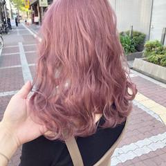 ピンク ミルクティー ピンクベージュ ミディアム ヘアスタイルや髪型の写真・画像