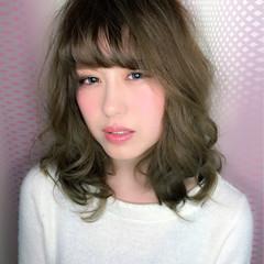 ミディアム パーマ ゆるふわ 外国人風 ヘアスタイルや髪型の写真・画像