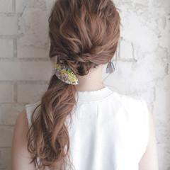 ミディアム ハイライト くせ毛風 前髪あり ヘアスタイルや髪型の写真・画像