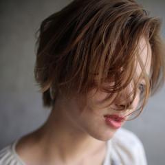 外国人風 簡単ヘアアレンジ 色気 ウェーブ ヘアスタイルや髪型の写真・画像