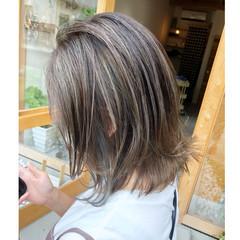 セミロング 大人ハイライト ナチュラル デザインカラー ヘアスタイルや髪型の写真・画像