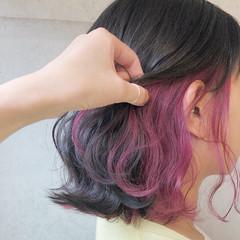 ボブ 切りっぱなしボブ インナーピンク ピンクカラー ヘアスタイルや髪型の写真・画像