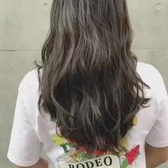 秋 リラックス セミロング 透明感 ヘアスタイルや髪型の写真・画像