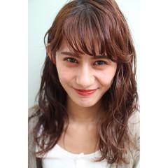 前髪パーマ ナチュラル 前髪あり 簡単スタイリング ヘアスタイルや髪型の写真・画像