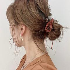 おだんご ミディアム 抜け感 簡単ヘアアレンジ ヘアスタイルや髪型の写真・画像