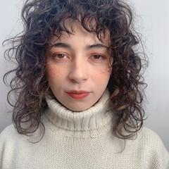 エアウェーブ 無造作パーマ ナチュラル 前髪パーマ ヘアスタイルや髪型の写真・画像