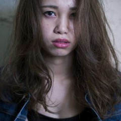 ロング かき上げ前髪 暗髪 ハイライト ヘアスタイルや髪型の写真・画像