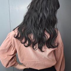 グレージュ ロング 暗髪 黒髪 ヘアスタイルや髪型の写真・画像