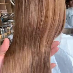 ナチュラル ブロンドカラー ピンクベージュ ハイトーン ヘアスタイルや髪型の写真・画像