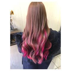 ピンク ベリーピンク ピンクアッシュ インナーカラー ヘアスタイルや髪型の写真・画像