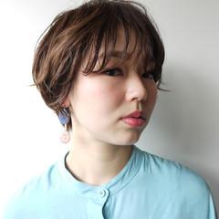 小顔 ナチュラル オフィス ショート ヘアスタイルや髪型の写真・画像