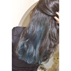グリーン インナーグリーン エメラルドグリーンカラー インナーカラー ヘアスタイルや髪型の写真・画像