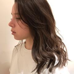 グラデーションカラー ヘアカラー ハイライト グレージュ ヘアスタイルや髪型の写真・画像