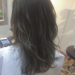 ロング バレイヤージュ 外国人風 コンサバ ヘアスタイルや髪型の写真・画像