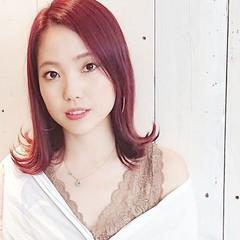 ピンク フェミニン ストリート レッド ヘアスタイルや髪型の写真・画像