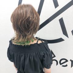 大人ハイライト ウルフカット インナーカラー ナチュラル ヘアスタイルや髪型の写真・画像