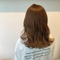 透明感カラー セミロング ベージュ 大人可愛い ヘアスタイルや髪型の写真・画像