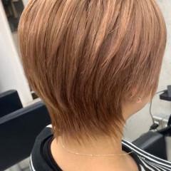 ミルクティーベージュ ショートヘア ミニボブ ガーリー ヘアスタイルや髪型の写真・画像