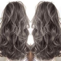 グレージュ ホワイト 上品 ロング ヘアスタイルや髪型の写真・画像
