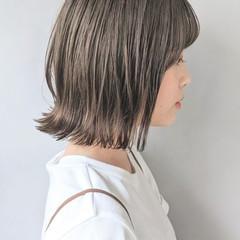 アンニュイほつれヘア シースルーバング コテ巻き風パーマ 外ハネ ヘアスタイルや髪型の写真・画像
