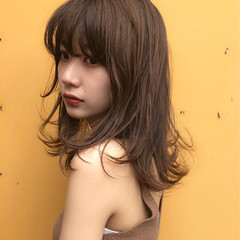 大人かわいい 夏 オフィス レイヤーカット ヘアスタイルや髪型の写真・画像