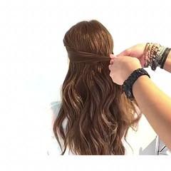 ヘアアレンジ ロング リラックス フェミニン ヘアスタイルや髪型の写真・画像