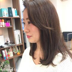 フェミニン 丸顔 外国人風 セミロング ヘアスタイルや髪型の写真・画像
