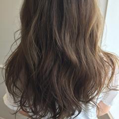 ラベンダーアッシュ ロング ハイライト ストリート ヘアスタイルや髪型の写真・画像