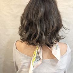ミディアム デート ヘアアレンジ 簡単ヘアアレンジ ヘアスタイルや髪型の写真・画像