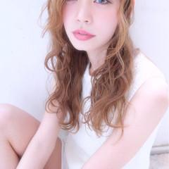 ロング 外国人風 簡単ヘアアレンジ ゆるふわ ヘアスタイルや髪型の写真・画像