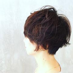 ショート アッシュ パーマ ナチュラル ヘアスタイルや髪型の写真・画像