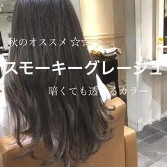 ナチュラル ロング 外国人風カラー グレージュ ヘアスタイルや髪型の写真・画像