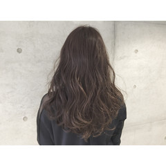 暗髪 アッシュ 外国人風 ゆるふわ ヘアスタイルや髪型の写真・画像